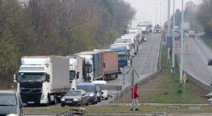 Интензивен трафик на 4 гранични пункта в страната