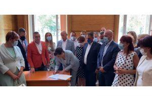 ГЕРБ внесоха проекта за нова Конституция