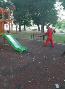 Обработиха детските площадки във Видин срещу бълхи