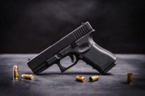 Задигнаха пари и газов пистолет от жител на Брегово