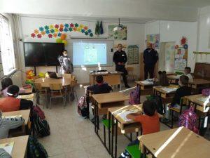 Беседи по безопасност на движението в учебните заведения във Враца