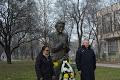 В Монтана поднесоха цветя пред паметника на Йордан Радичков