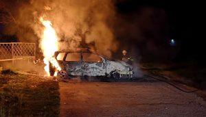 Видинска кола се подпали и изгоря като факла