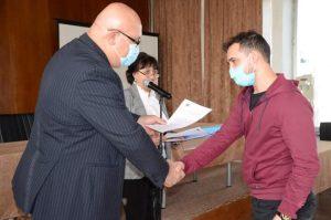"""Кметът на Видин връчи трудовите договори на назначени по проект """"Заедно за по-добър живот"""" (Снимки)"""