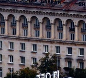 От 8 март преустановяват плановия прием и плановите операции във всички лечебни заведения в София