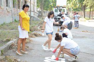 Единадесет младежи започнаха работа по програмата за платен стаж на Община Видин