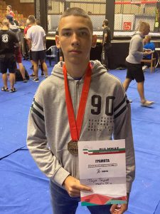 Ученик от Видин е медалист от Републиканския шампионат по ММА и посвети победата си на благородна кауза
