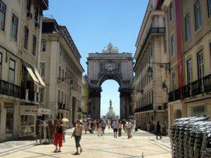 В Португалия разхлабват мерките, 70% от населението е напълно ваксинирано